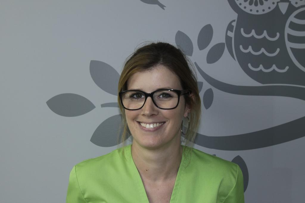 Lucie, assistante dentaire qualifiée